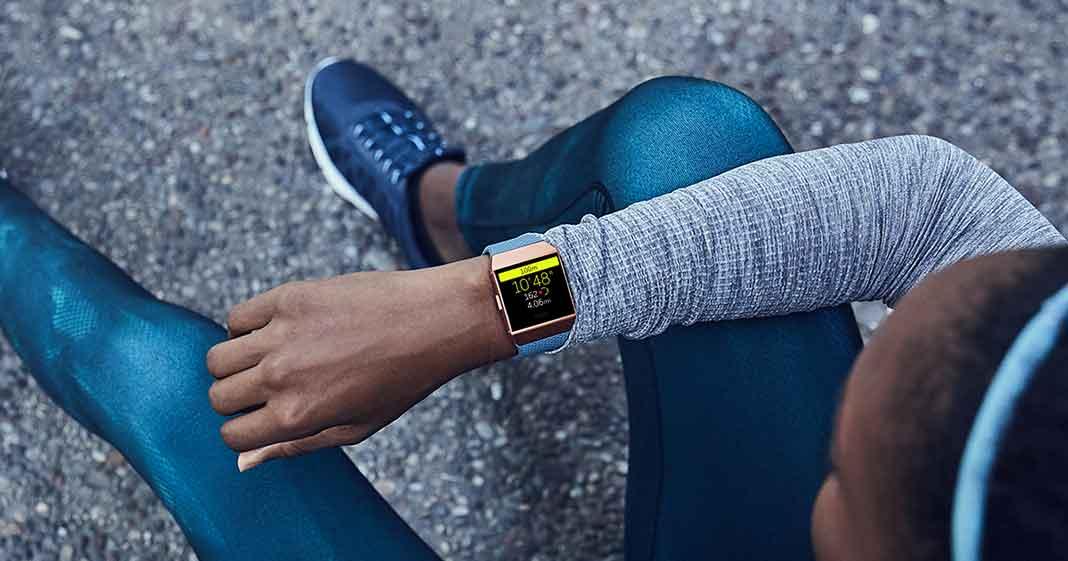 spegnere e accendere uno smartwatch Fitbit